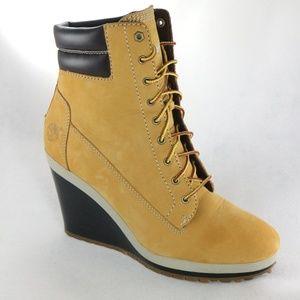 7b136cf8b63 Rare TIMBERLAND Wheat Wedge Heel Boots Like New
